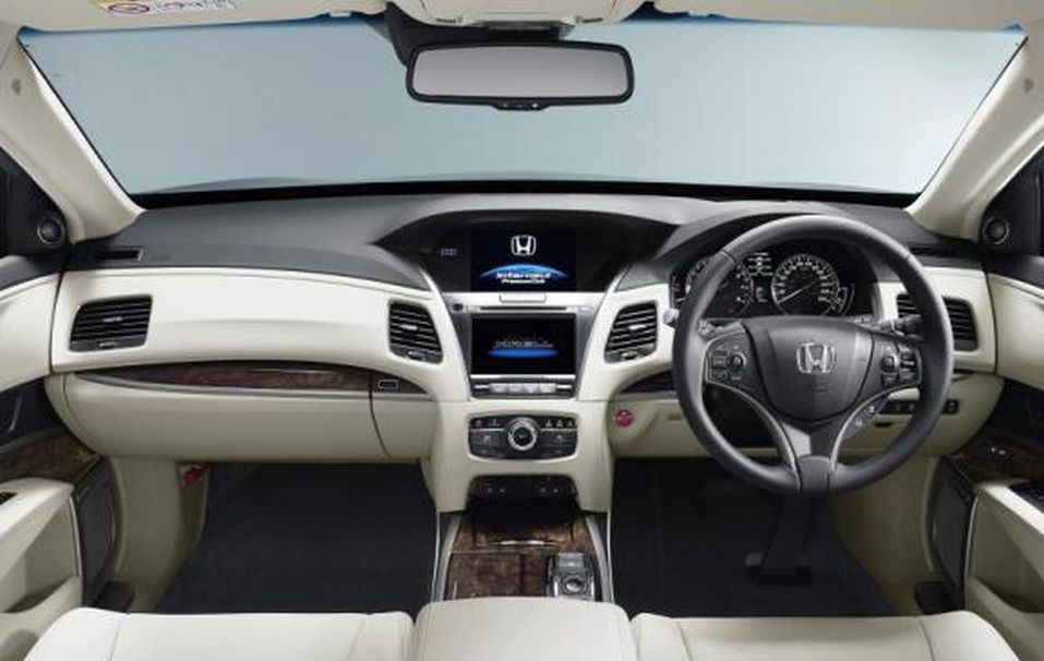 Салон Honda Legend 2016