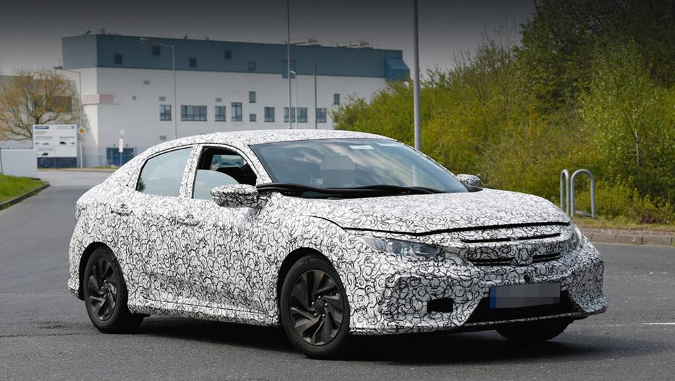 Хэтчбэк Honda Civic на дорожных тестах