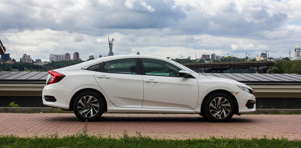Фастбэк Honda Civic 2018